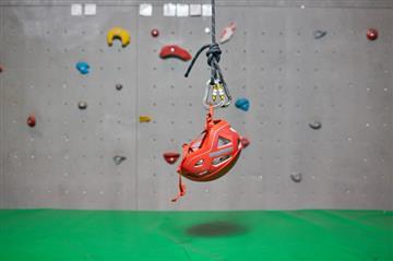 Альпинизм, парашютный спорт